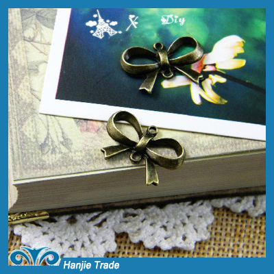 Stock Charms Antique Bronze Butterfly Pendant